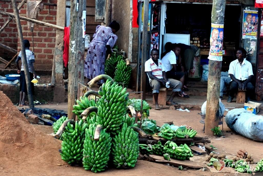 market uganda travel guide