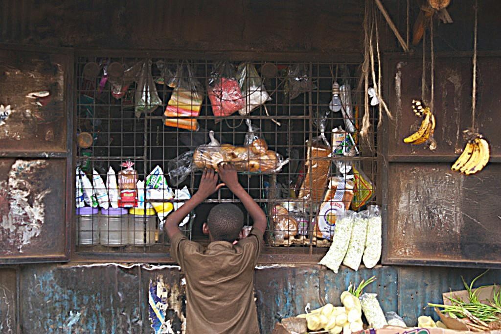 a day in kibera slum in nairobi safari junkie vendors kibera slums nairobi photos
