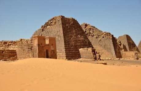 sudan travel guide Meroe Pyramids