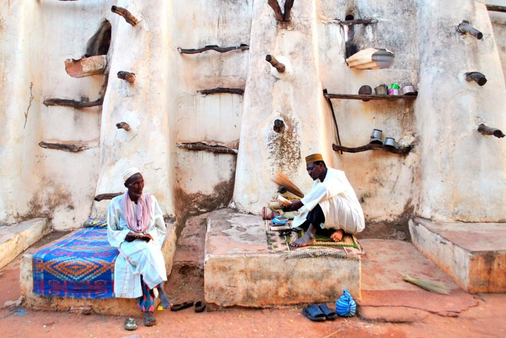 backpacking burkina faso guide Reading-Koran-in-front-of-Grande-Mosque-Bobo-Dioulasso