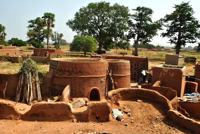 things-to-do-in-burkina-faso-tiebele-vilage-visit