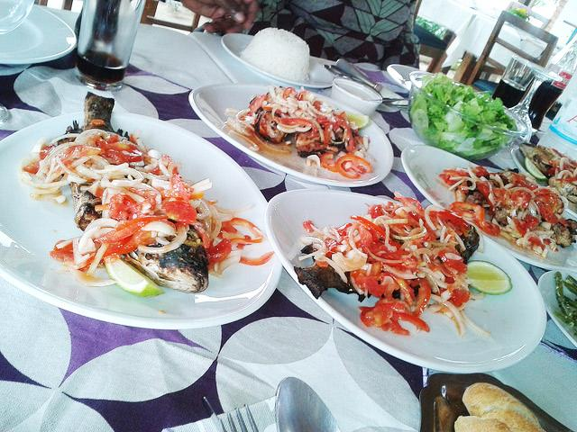 5 Must Eat-Dishes-in-Ivory-Coast-poisson-Braise. guide to Ivorian cousine