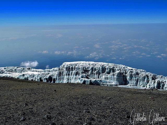 galcier Kilimanjaro trekking Tanzania Marangu route