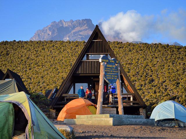 horombo hut kilimanjaro marangu route climbing
