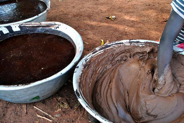 making organic shea karite butter ghana