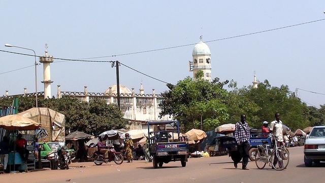 things to do in Bobo Dioulasso walk the streets