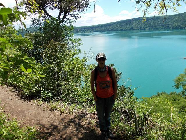 walk to lake chala shore