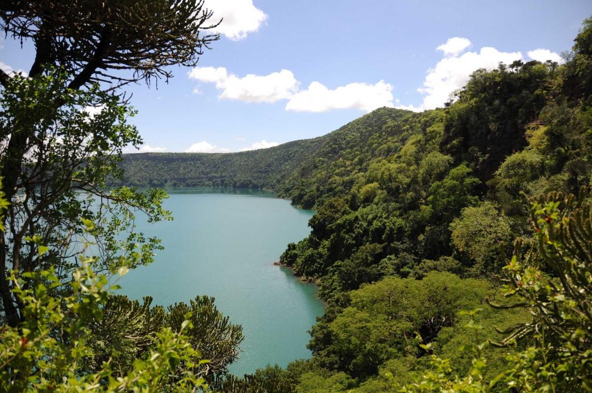 crater-lake-chala-trisp-from-arusha-with-locals