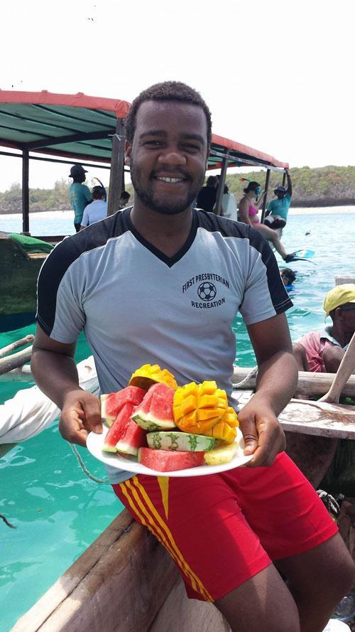 snorkelling-guide-zanzibar-tours